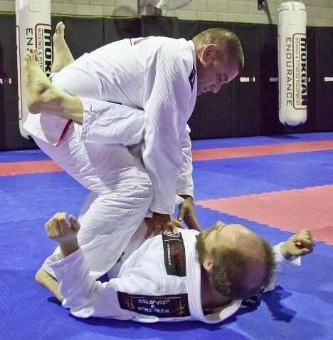 Wing Chun & Jiu-Jitsu Melbourne - Jiu Jitsu Training Grant Passing Guard -Grantpassingguard