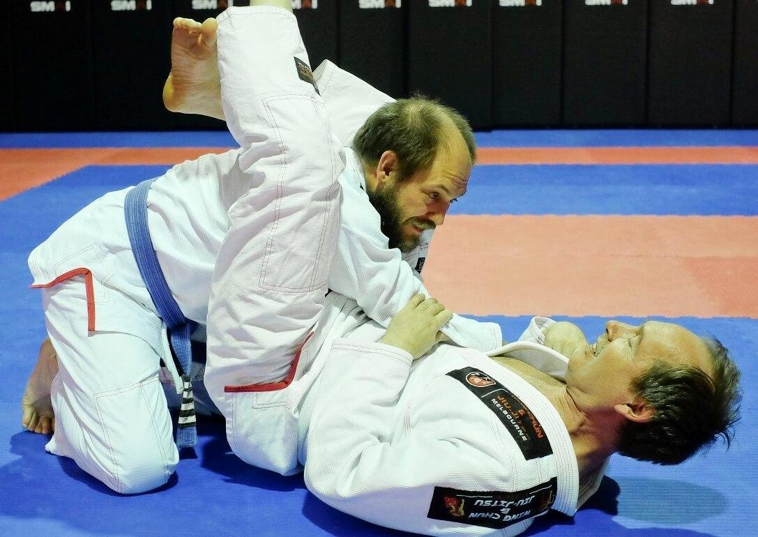 Wing Chun & Jiu-Jitsu Melbourne - Jiu Jitsu Training Locking Triangling -Gregtrianglingme01