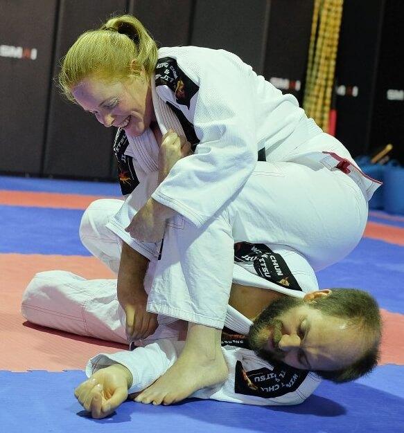 Wing Chun & Jiu-Jitsu Melbourne - Jiu Jitsu Training Setting Up an Arm Bar -Antheasettingupanarmbar