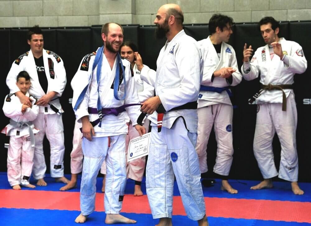 Wing Chun & Jiu-Jitsu Melbourne - Trainor with Certificate on His Hand IMG_8697